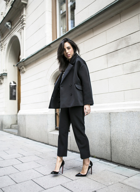 sania-claus-demina-outfit-lindex-trousers-christian-louboubtin-shoes-weekday-jacket-by-malebe-birger-tshirt_3